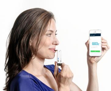 VIO Smartphone Keychain Breathalyser